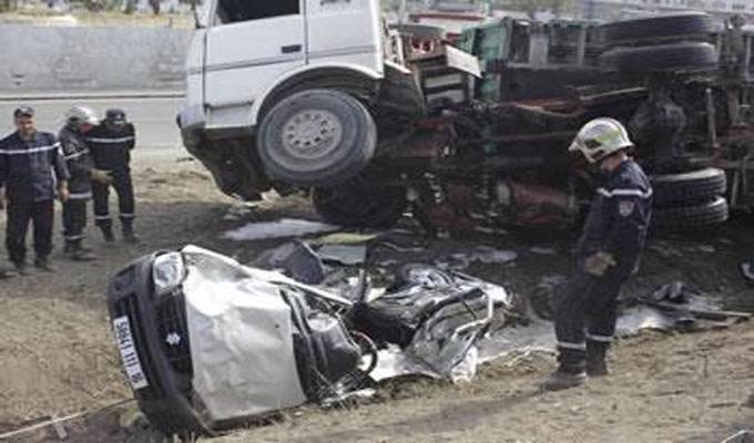 k bili deux morts et un bless dans un accident de la route directinfo. Black Bedroom Furniture Sets. Home Design Ideas