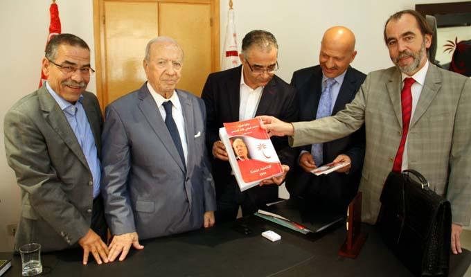 bejicaidessebsi-elections-tunisie-092014-2
