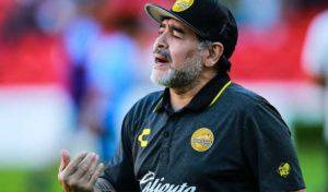 Maradona placé à l'isolement, contact avec une personne présentant des symptômes du Covid-19